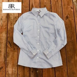 Banana Republic Black & White Fitted Button Down